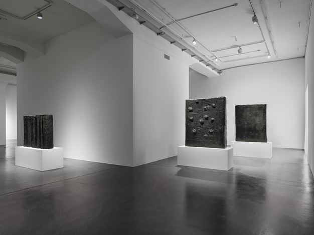 Exhibition view: Günther Förg, surface of bronze, Hauser & Wirth, Zürich (11 May–31 July 2020). © Estate Günther Förg. Suisse / DACS, London 2020. Courtesy Estate Günther Förg, Suisse.