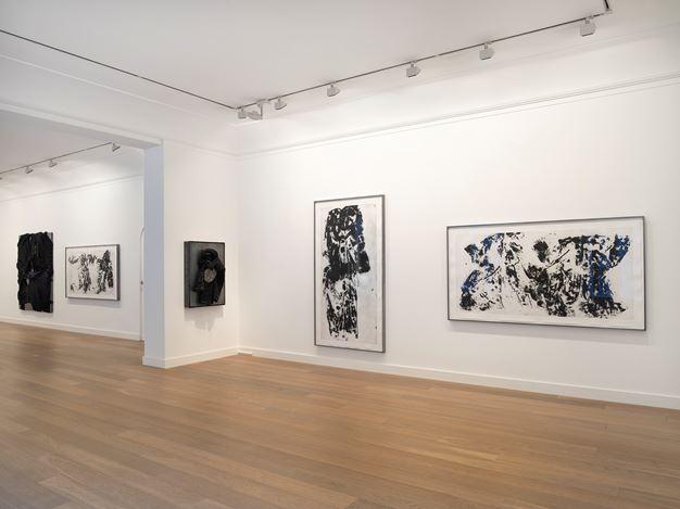 Exhibition view: Jannis Kounellis, Les manteaux, Galerie Lelong & Co., 13 Rue de Téhéran, Paris (24 January–9 March 2019). Courtesy Galerie Lelong & Co., Paris.