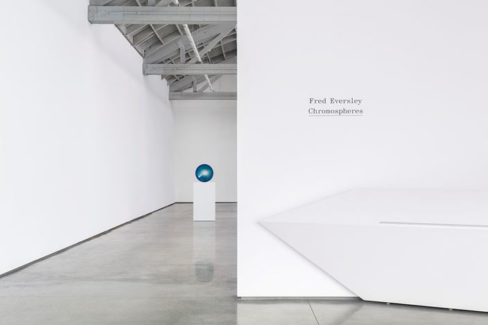 Exhibition view: Fred Eversley, Chromospheres, David Kordansky Gallery, Los Angeles (12 January–2 March 2019). Courtesy David Kordansky Gallery, Los Angeles.