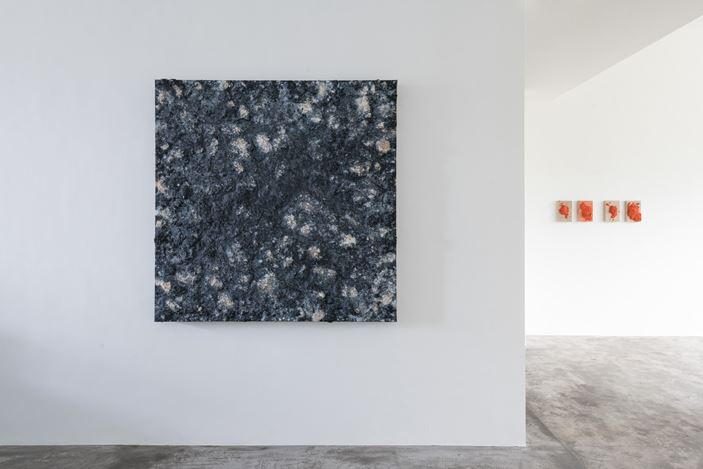 Bosco Sodi, Untitled (2018). Exhibition view: Group Exhibition,Infinitive Mutability, Axel Vervoordt Gallery, Hong Kong (25 March–1 June 2019). Courtesy Axel Vervoordt Gallery.
