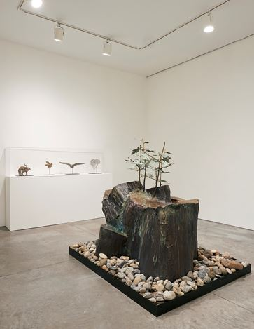Exhibition view: Kiki Smith,Murmur, Pace Gallery, 537 West 24th Street, New York (1–30 March 2019). © Kiki Smith. Courtesy Pace Gallery.