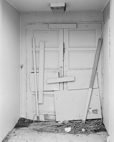 Harry Culy, Untitled (Door), Wellington, New Zealand, (2019). Silver gelatin print. Courtesy Jhana Millers, Wellington.