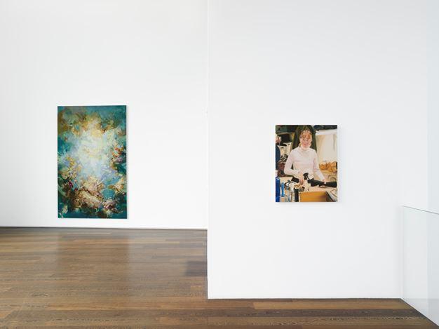 Exhibition view: Group Exhibition,María Berrío, Caroline Walker, Flora Yukhnovich,Victoria Miro, Wharf Road, London (7 June–27 June 2019). Courtesy Victoria Miro.