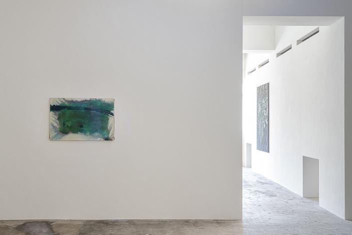 Exhibition view: Ryuji Tanaka, Axel Vervoordt Gallery, Hong Kong (19 October 2019–1 February 2020). Courtesy Axel Vervoordt Gallery.