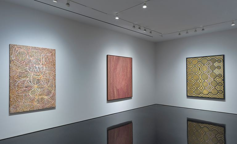 Exhibition view: Group Exhibition,Desert Painters of Australia,Gagosian, 976 Madison Avenue, New York (3 May–3 July 2019).Artworks © Artists and Estates. Courtesy Gagosian.Photo: Rob McKeever.