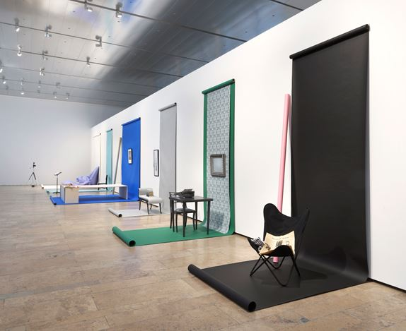 Exhibition view: Barbara Bloom,Works on Paper, on Paper, Capitain Petzel, Berlin (7 March–1 August 2020). Courtesy Capitain Petzel. Photo:Jens Ziehe.