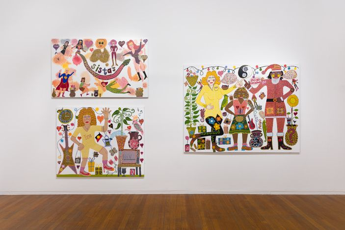 Exhibition view: Kaylene Whiskey: Sistas, Roslyn Oxley9 Gallery, Sydney (12 May – 12 June 2021). Courtesy Roslyn Oxley9 Gallery. Photo: Luis Power