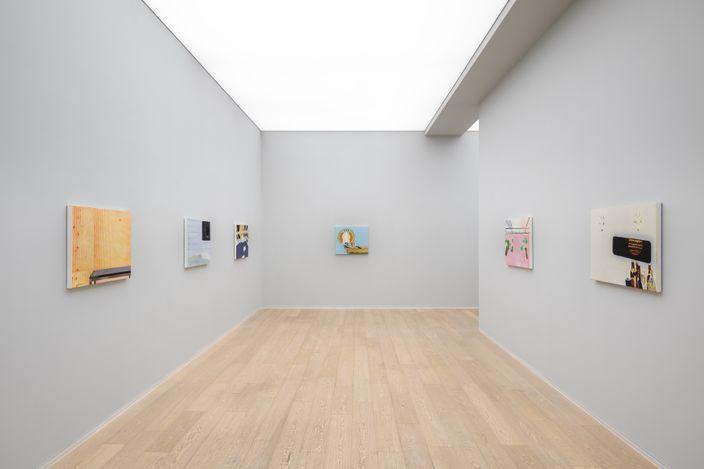 Exhibition view: Dexter Dalwood,2059, Simon Lee Gallery, Hong Kong (10 September–30 October 2021).Courtesy Simon Lee Gallery.