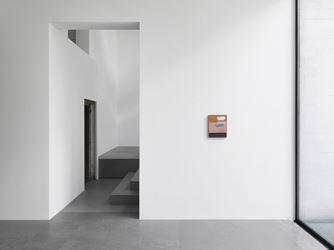 Exhibition view: Harold Ancart, The Charm..., Xavier Hufkens, Brussels (20 April–27 May, 2017). Courtesy Xavier Hufkens. Photo: Allard Bovenberg.