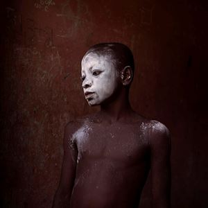 Enfant en talc, Nimela, Ghana by Denis Dailleux contemporary artwork photography