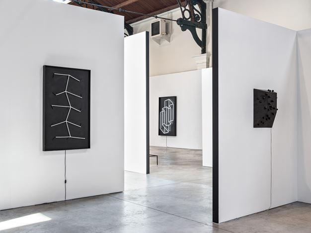 Exhibition view: Group Exhibition, Ce mouvement qui déplace les lignes, la Patinoire Royale– galerie Valérie Bach, Brussels (26 May–29 August 2020). CourtesyLa Patinoire Royale – galerie Valérie Bach.