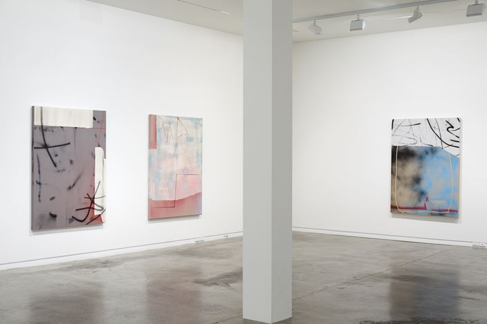 Exhibition view: Tira Walsh, Hustle, Two Rooms, Auckland (12 July–10 August 2019). Courtesy Two Rooms.