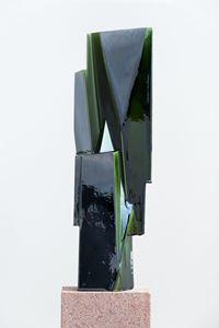Shapeshifter I by Kai Schiemenz contemporary artwork ceramics