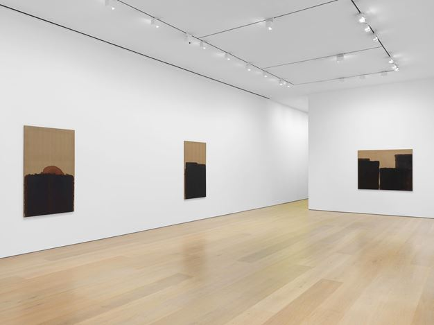 Exhibition view: Yun Hyong-keun, David Zwirner, 20th Street, New York (17 January–7 March 2020). Courtesy David Zwirner.