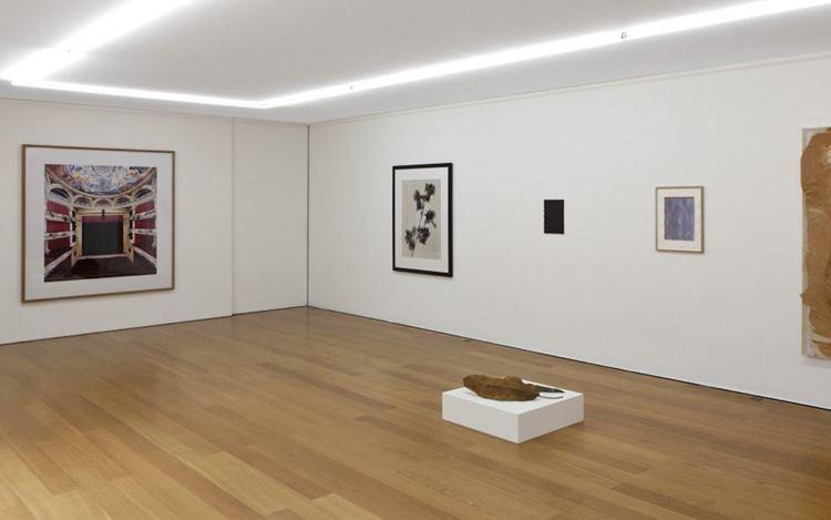 Exhibition view:Group Exhibition,Accrochage, Galerie Rüdiger Schöttle, Munich (13 August–4 September 2020). CourtesyRüdiger Schöttle. Photo: Wilfried Petzi.