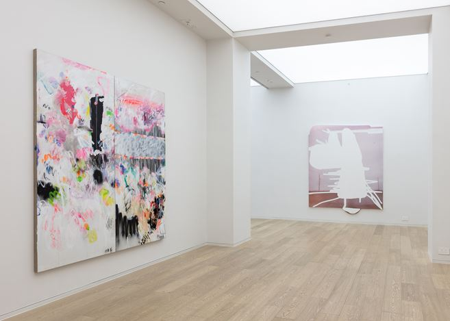 Exhibition view: Jeff Elrod, Alex Hubbard, Yang Shu,Group Exhibition, Simon Lee Gallery, Hong Kong (13 July–4 September 2018). Courtesy Simon Lee Gallery.