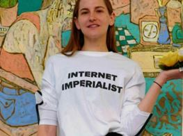 This Artist Is Tricking the Internet into Making Her Dreams Come True