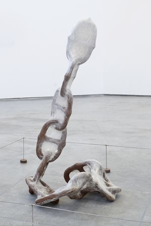 Chain by Liang Shaoji contemporary artwork