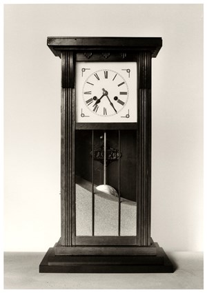 Untitled (reloj-arena) by Chema Madoz contemporary artwork