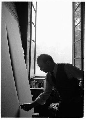 Lucio Fontana, Waiting, Milan (5) by Ugo Mulas contemporary artwork