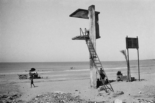 Juhu Beach, Bombay by Pablo Bartholomew contemporary artwork