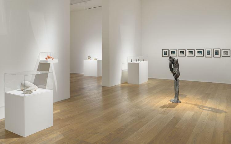 Exhibition view: Alina Szapocznikow, To Exalt the Ephemeral: Alina Szapocznikow, 1962 – 1972, Hauser & Wirth, London (7 February–14 August 2020). © ADAGP, Paris. Courtesy the Estate of Alina Szapocznikow / Piotr Stanislawski / Galerie Loevenbruck, Paris / and Hauser & Wirth. Photo: Alex Delfanne.