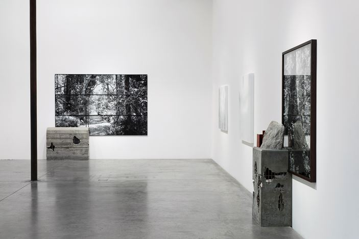 Alex Hartley,After You Left,2016, Exhibition view at Victoria Miro, Wharf Road, London. Courtesy the Artist and Victoria Miro: Thierry Bal. © Alex Hartley.