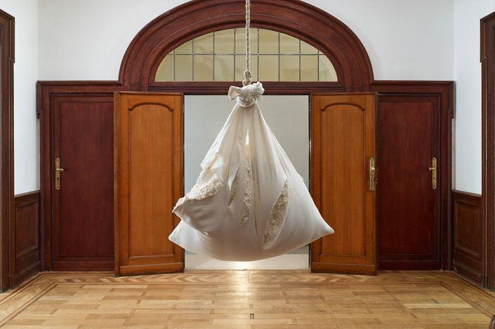 Exhibition view: Paulo Nazareth, [A] LA FLEUR DE LA PEAU,Mendes Wood DM, Brussels (24 April–1 June 2019). Courtesy Mendes Wood DM.