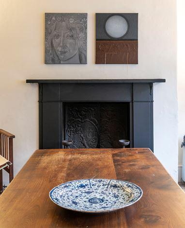 Exhibition view: Kirsten Glass, The Whole Story, Karsten Schubert, London (2–20 October 2020). Courtesy Karsten Schubert.