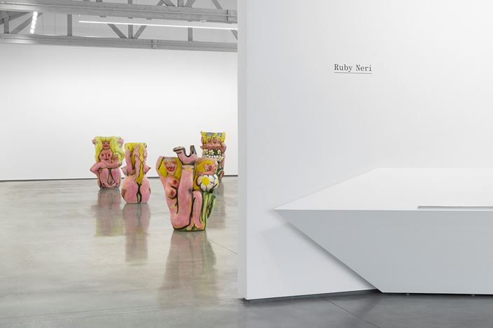 Exhibition view: Ruby Neri, David Kordansky Gallery, Los Angeles (11 May–15 June 2019). Courtesy David Kordansky Gallery, Los Angeles. Photo: Jeff McLane.