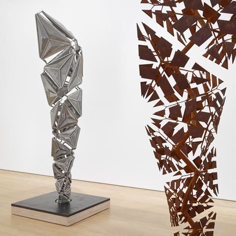 Exhibition view: Conrad Shawcross, After the Explosion, Before the Collapse, Victoria Miro, Mayfair, London (13 September–27 October 2018). © Conrad Shawcross. Courtesy the artist and Victoria Miro, London/Venice.