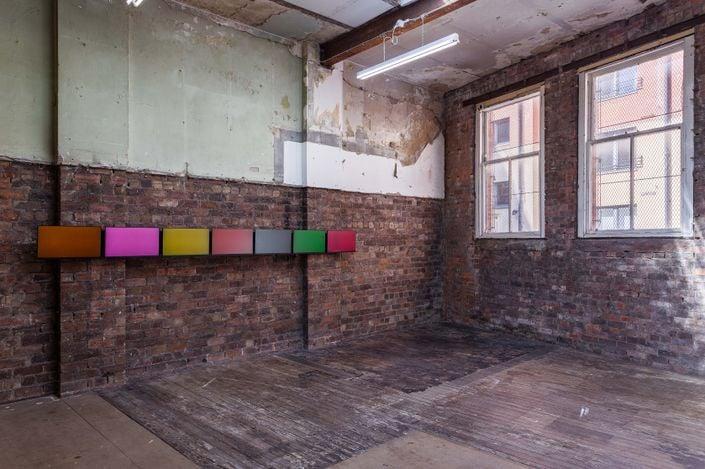 Exhibition view:Jim Lambie, Buttercup, The Modern Institute, Aird's Lane, Glasgow (26 April—26 May 2021). Courtesy the Artist and The Modern Institute/Toby Webster Ltd, Glasgow. Photo: Patrick Jameson.