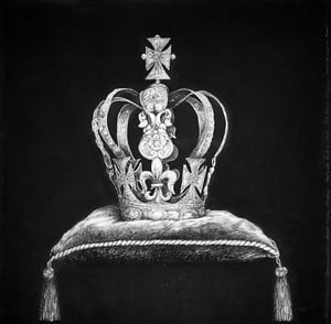 Commonwealth Project Another Country, Everyone needs a crown  by Alfredo & Isabel Aquilizan contemporary artwork