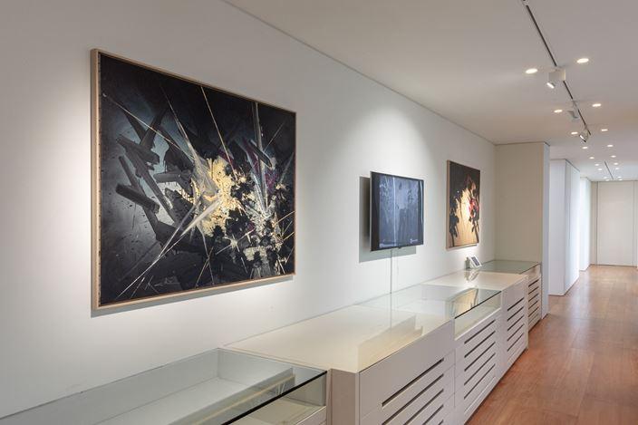 Exhibition view: Georges Mathieu, Perrotin, Hong Kong (21 November–21 December 2019). © Georges Mathieu / ADAGP, Paris, 2019Courtesy the artist & Perrotin.Photo: Ringo Cheung.