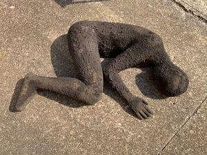 Dormiente by Mimmo Paladino contemporary artwork sculpture