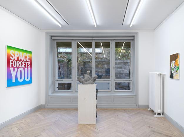 Exhibition view: Group Exhibition, All In One. One Work By Each Gallery Artist, Galerie Eva Presenhuber, Rämistrasse, Zurich (14 November–12 December 2020). Courtesy the artists and Galerie Eva Presenhuber, Zurich / New York. Photo: Stefan Altenburger Photography, Zurich.