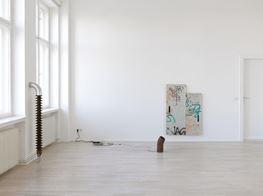 """Nina Canell<br><em>Dits Dahs</em><br><span class=""""oc-gallery"""">Barbara Wien</span>"""