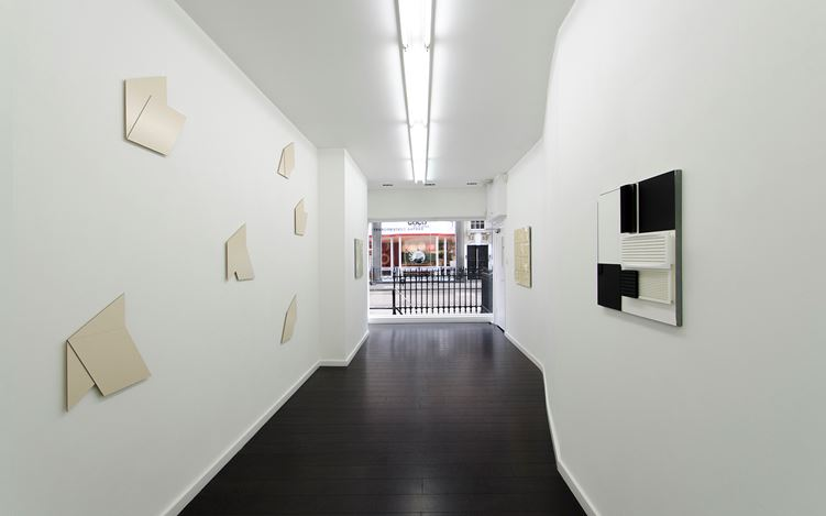 Hartmut Böhm,Works with Grid - Works without Grid, 2015, Exhibition view at Bartha Contemporary, London. Courtesy the Artist and Bartha Contemporary. © Hartmut Böhm.