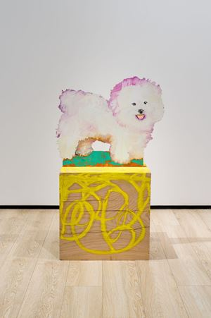Bichon au socle jaune by Tursic & Mille contemporary artwork