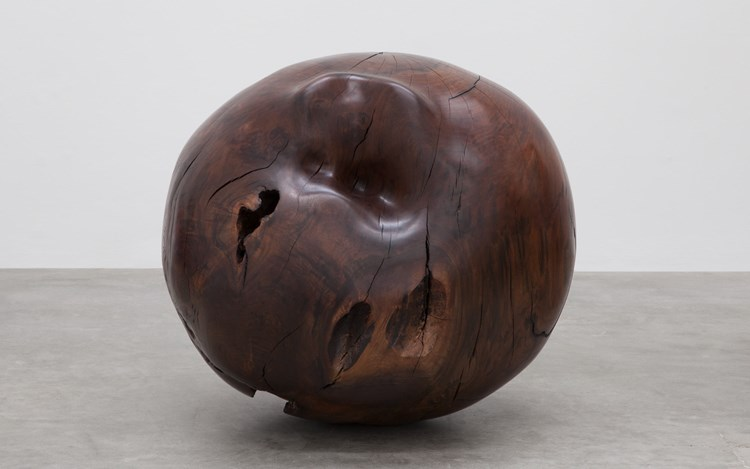 Alma Allen,Not Yet Titled, 2016, claro walnut,33 x 33 x 27 inches.Courtesy of the artist and Blum & Poe, Los Angeles/New York/Tokyo.