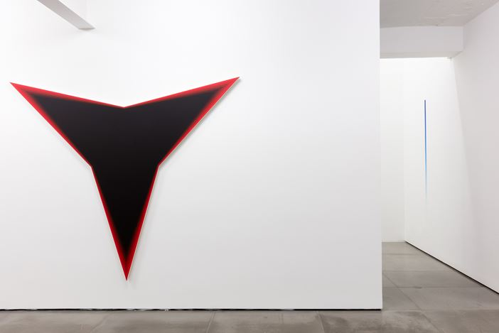 Exhibition view: Philippe Decrauzat,Circulation,Galeria Nara Roesler, Rio de Janeiro (16 April–1 June 2019). Courtesy Galeria Nara Roesler.