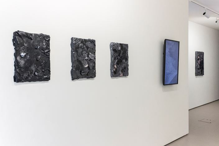 Exhibition view: André Hemer, From this places things glimmer, Bartley + Company Art, Wellington (25 March–18 April 2020). Courtesy Bartley + Company Art.