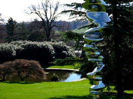 Tony Cragg's constantly evolving challenge to mass design