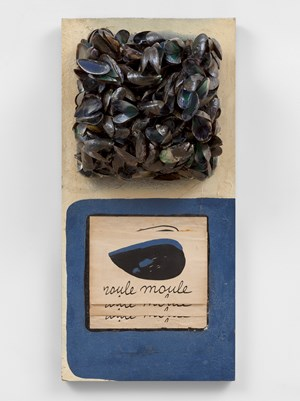 Roule Moule by Marcel Broodthaers contemporary artwork