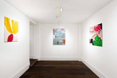 Exhibition view: Group Exhibition,The Hour Forever, Dellasposa Gallery, London (7 September–27 October 2021). Courtesy Dellasposa Gallery.