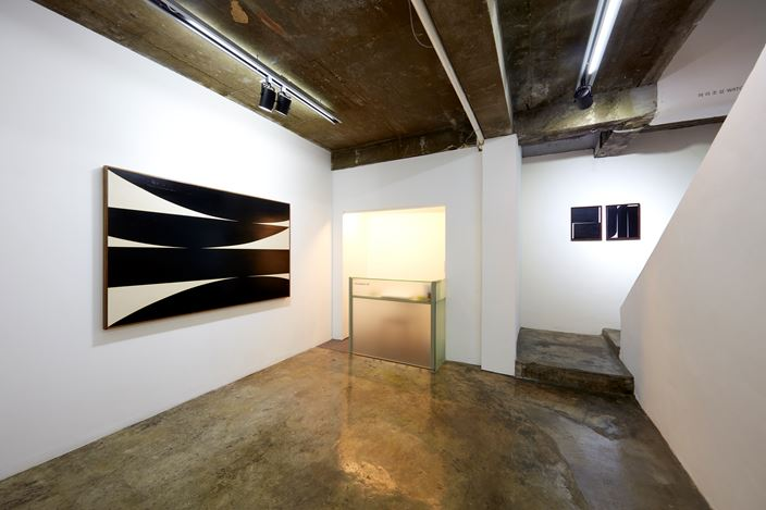Exhibition view: Jonny Abrahams, 10 Paintings, CHOI&LAGER Gallery, Seoul (6 October–28 October 2018). Courtesy the artist and CHOI&LAGER Gallery.