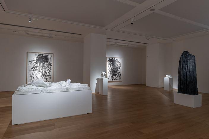 Exhibition view:Christian Lemmerz,Not I, Tang Contemporary Art, Hong Kong (24 November–29 December, 2018). Courtesy Tang Contemporary Art.