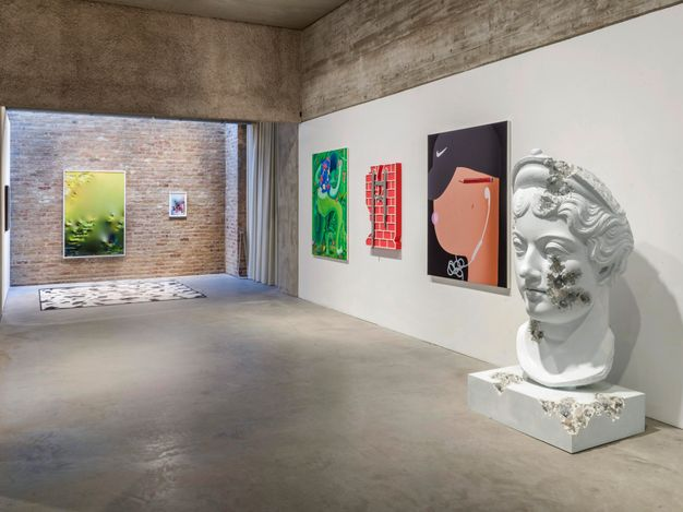 Exhibition view: The Artist is Online. Painting and Sculpture in the Post DIgital Age, König Galerie, Berlin (18 March–18 April 2021). Courtesy König Galerie. Photo: Roman Maerz.