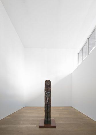 Exhibition view: Huma Bhabha, The Setup, 107 rue St-Georges, Rivoli (9 September–16 October 2021).Courtesy the artist and Xavier Hufkens,Brussels. Photo: Allard Bovenberg.