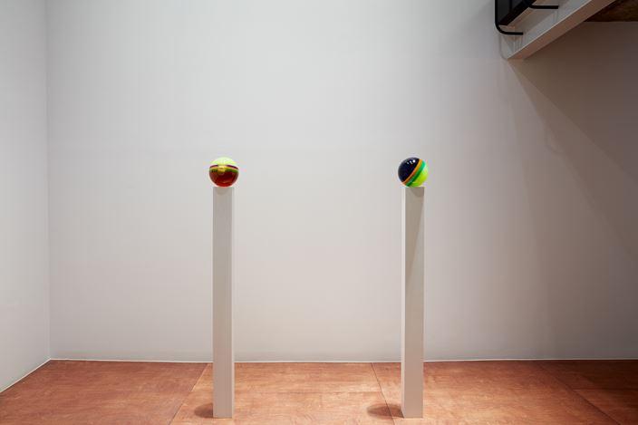 Exhibition view: Helen Pashgian, Lehmann Maupin Gallery, Seoul (14 November 2019–29 February 2020). Courtesy Lehmann Maupin.